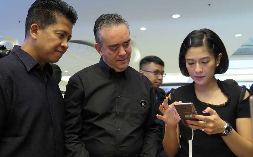 XL Prioritas Center ke-2 Gandaria City Layani Pre-order Samsung Galaxy S8 Series