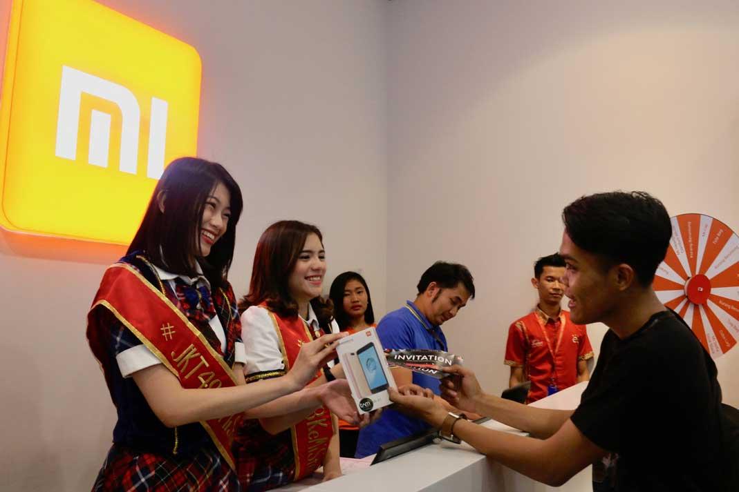 Ada JKT48 di Mi Store Bekasi